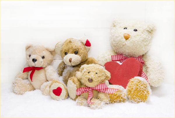 Játékok szeretetből a Szent László kórház kisbetegeinek