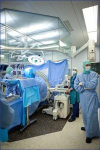 Schulthess Klinika műtő - Zürich - Gyermekek belföldön és külföldön történő gyógykezelésének támogatása, májtranszplantáció, gerincműtét, gyermek szívműtétek, különleges műtétek