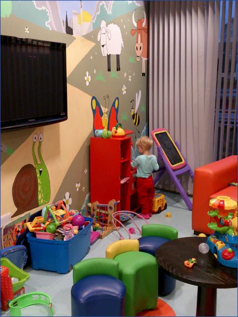 Birmingham Children's Hospital játszóház - Gyermekek belföldön és külföldön történő gyógykezelésének támogatása, májtranszplantáció, gerincműtét, gyermek szívműtétek, különleges műtétek