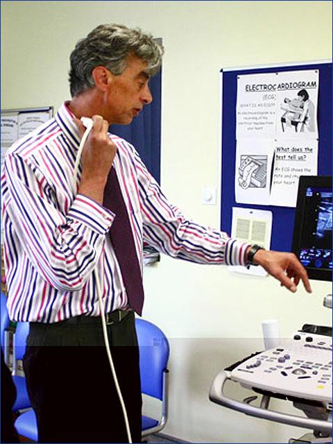 Dr. Oliver Stumper - Gyermekek belföldön és külföldön történő gyógykezelésének támogatása, májtranszplantáció, gerincműtét, gyermek szívműtétek, különleges műtétek
