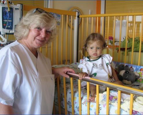 Katharina nővér - Adél - májtranszplantáció - Gyermekek belföldön és külföldön történő gyógykezelésének támogatása, májtranszplantáció, gerincműtét, gyermek szívműtétek, különleges műtétek