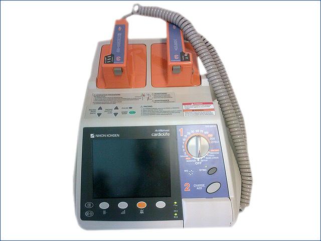 NihonKoheden TEC-5535K defibrillátor