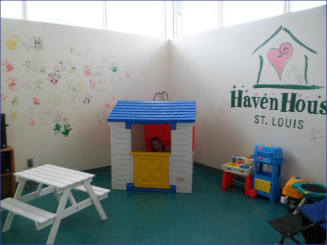 Dóra Haven House játszószobában