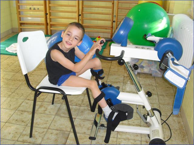 Milán műtét előtt itthon - különleges műtétek - Gyermekek belföldön és külföldön történő gyógykezelésének támogatása, májtranszplantáció, gerincműtét, gyermek szívműtétek, különleges műtétek