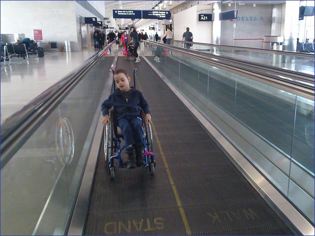 Milán - Utazás Amerikába - Gyermekek belföldön és külföldön történő gyógykezelésének támogatása, májtranszplantáció, gerincműtét, gyermek szívműtétek, különleges műtétek