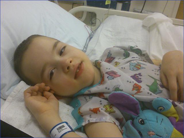 Milán - Műtét napja - Gyermekek belföldön és külföldön történő gyógykezelésének támogatása, májtranszplantáció, gerincműtét, gyermek szívműtétek, különleges műtétek