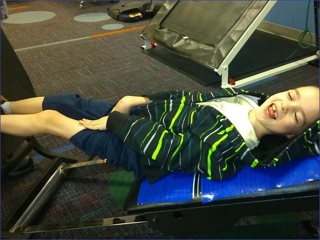 Milán - Műtét után - Gyermekek belföldön és külföldön történő gyógykezelésének támogatása, májtranszplantáció, gerincműtét, gyermek szívműtétek, különleges műtétek