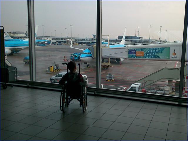 Milán - utazás hazafelé - Gyermekek belföldön és külföldön történő gyógykezelésének támogatása, májtranszplantáció, gerincműtét, gyermek szívműtétek, különleges műtétek
