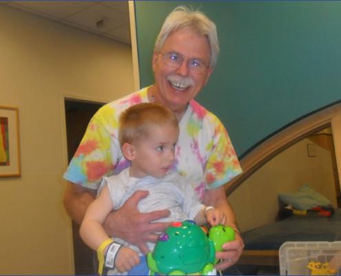 Toncsi - különleges műtétek - Gyermekek belföldön és külföldön történő gyógykezelésének támogatása, májtranszplantáció, gerincműtét, gyermek szívműtétek, különleges műtétek