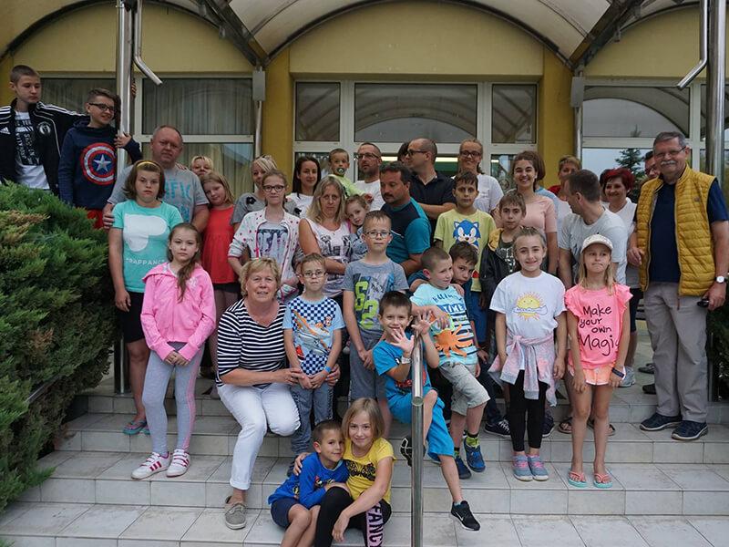 Németországban májtranszplantáltak Szőnyi doktorral és Meike nővérrel