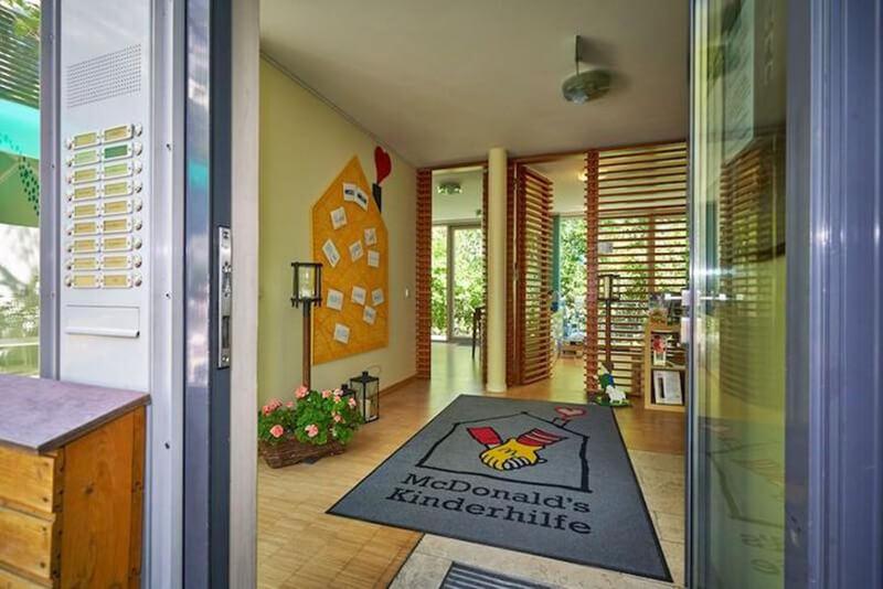 Ronald McDonald House München-bejárat